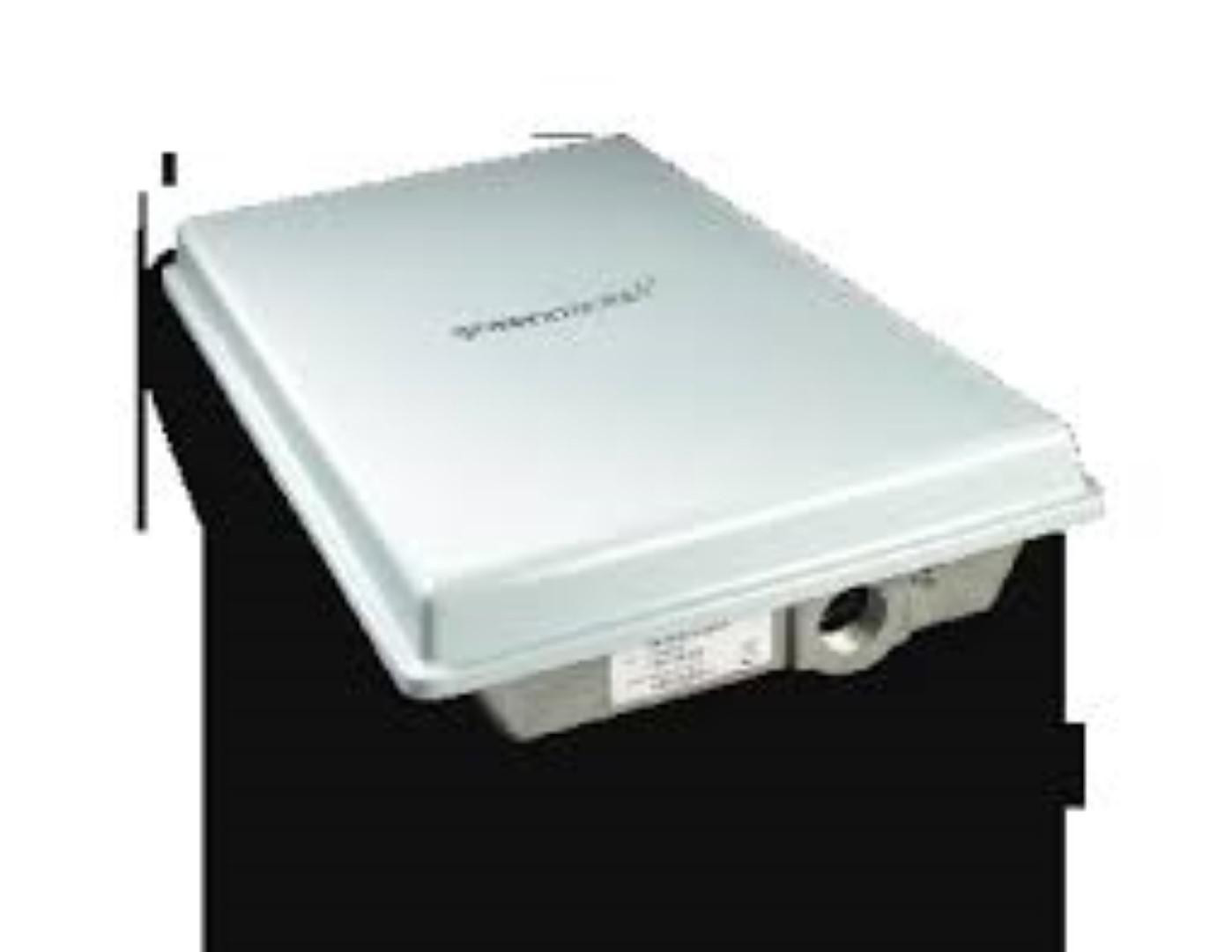 WIMAX OX-350 GREEN PACHET OUTDOOR CPE,  IEEE 802.16e WiMAX Wave 2. WiMAX Forum compliant, 14 dBi Gain,  MIMO Matrix A & B, Security - AES, WPA/WPA2, Power-Over-Ethernet - 802.3af. - imaginea 1