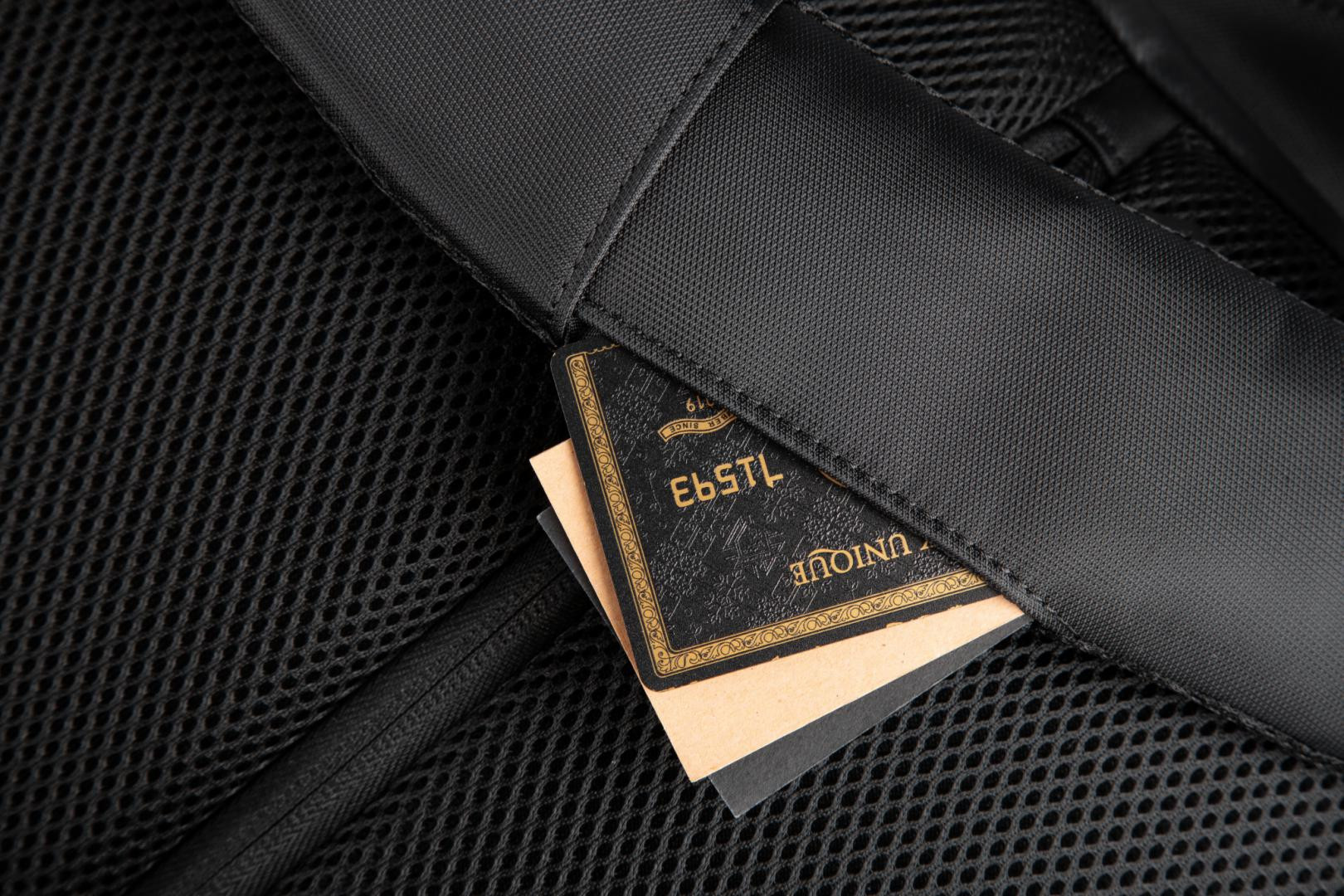 """Rucsac notebook Serioux, SMART TRAVEL ST9590, dimensiuni 31 x 16 x 46 cm, rezistent la apa, compartimente multiple, compartiment separat pentru notebook: max. 15.6"""", bretele ajustabile, port de încărcare USB, buzunar ascuns la spate, material poliester - imaginea 7"""